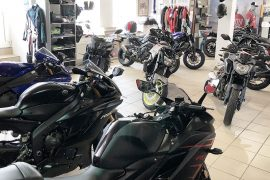 MotorradMeier_Innenraum_zuebehoer
